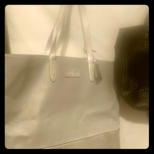 ♦️2for$50♦️XL Cole Haan silver tote